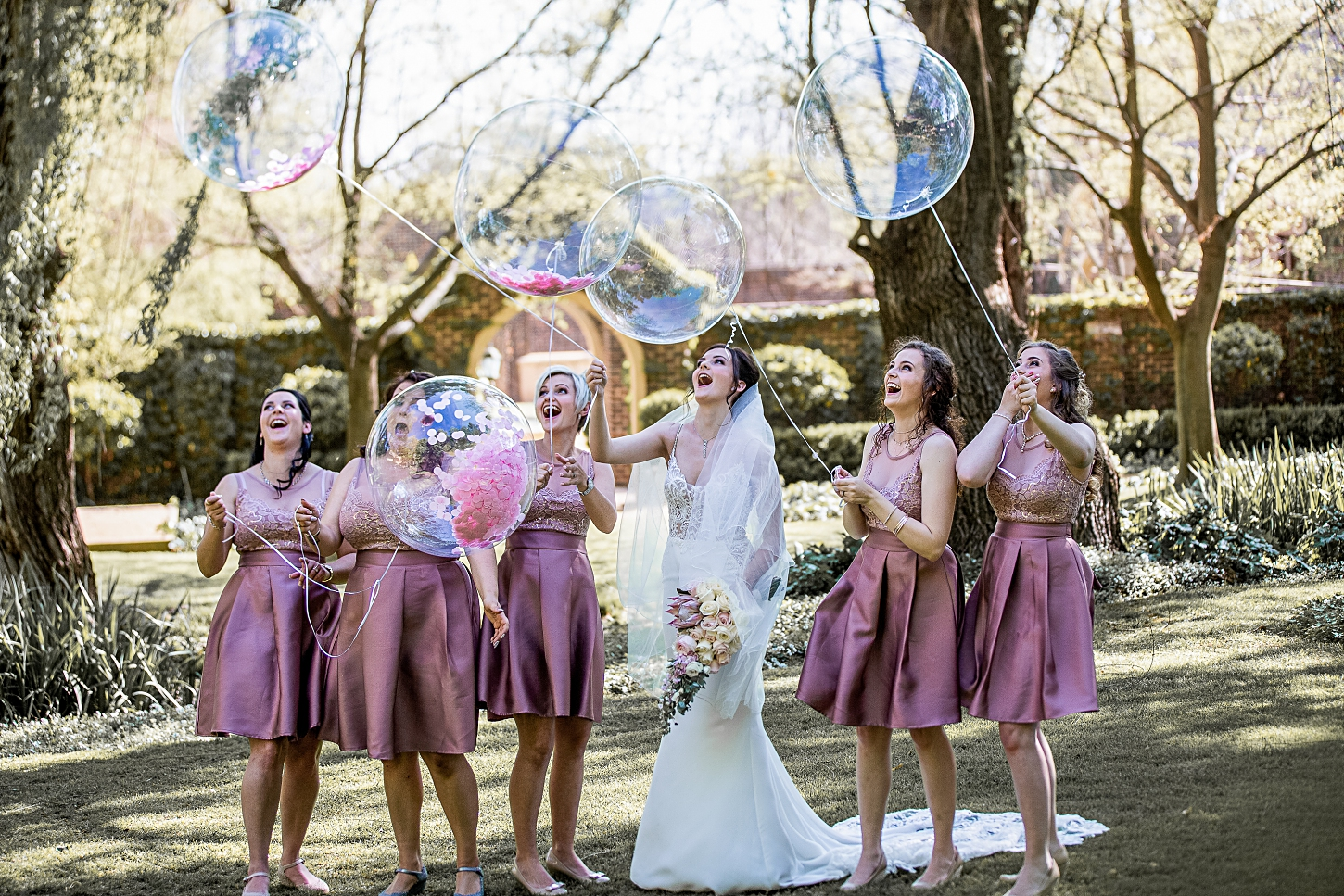 bride-and-balloons